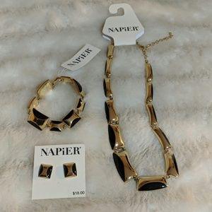 Napier Set NWT
